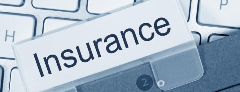Are contractors legally obliged to take out business insurance cover?